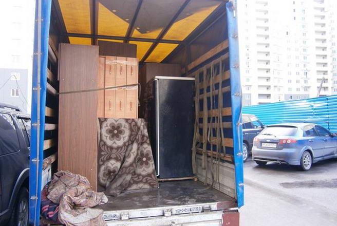 погрузка в фургон и перевозка мебели в Киеве
