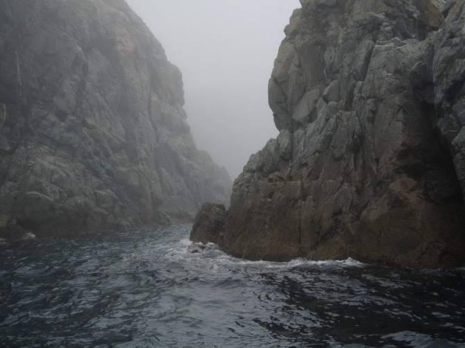 скалистые мысы залива