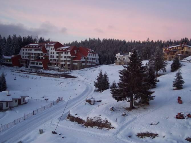 Вид з нашого балкончика на заході
