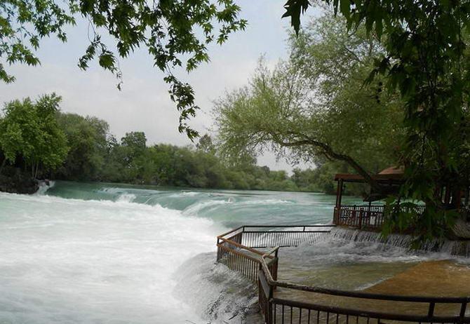 Турция. Водопад на реке Манавгат