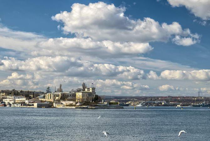 вид на Севастополь зі сторони моря