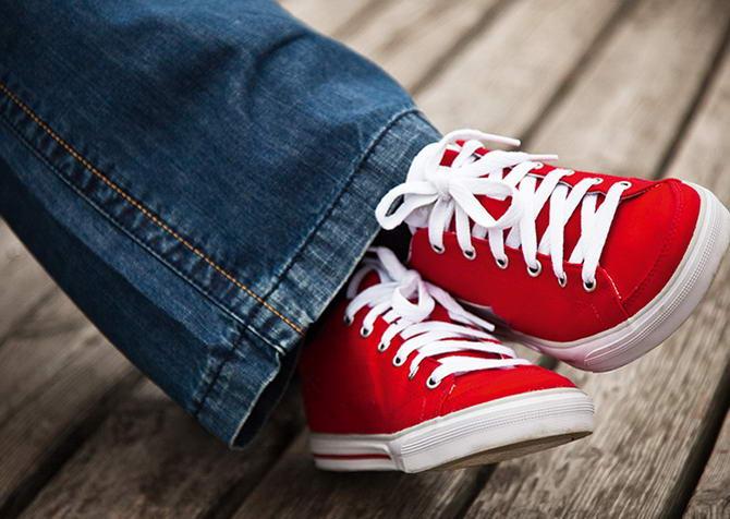 Низкие красные кеды Converse