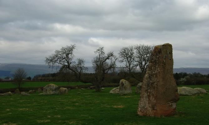камінь Довга Мег