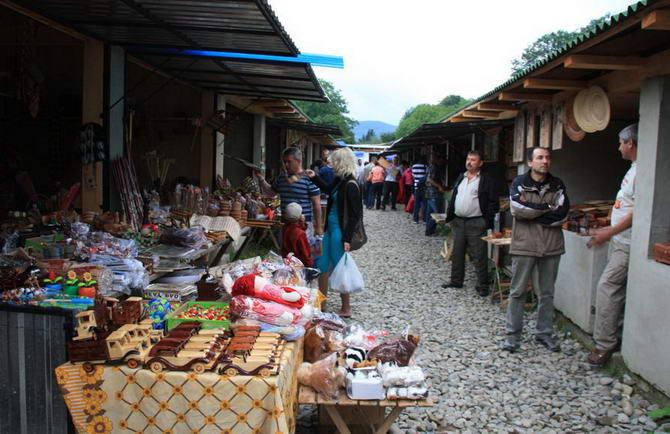 гуцульская ярмарка в городе Косове