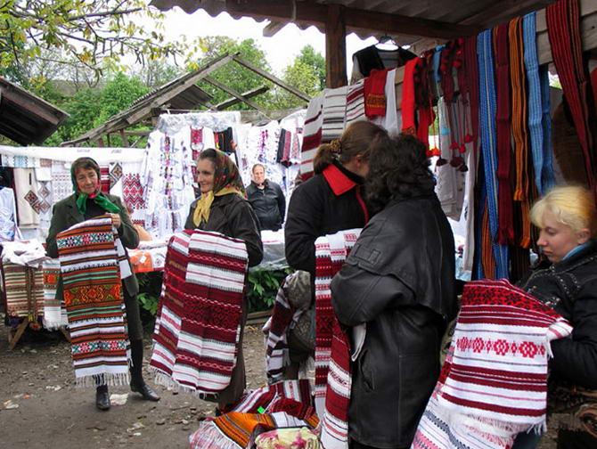 Косовский сувенирный рынок