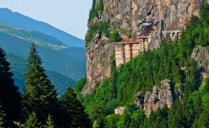монастир Панагія Сумела