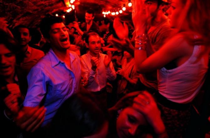 тематичні зборища та вечірки в катакомбах