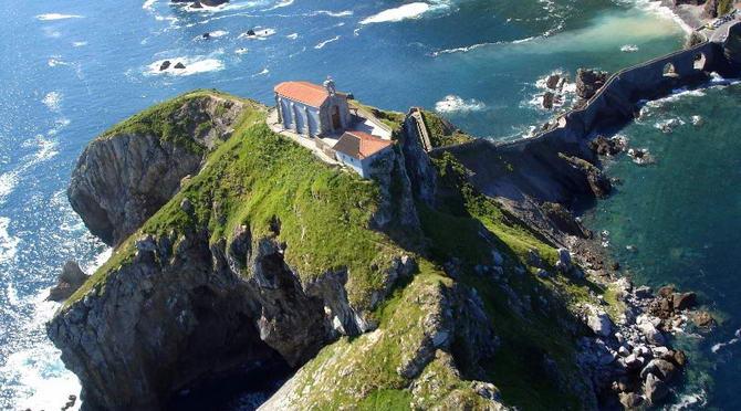 острів Гастелугаче