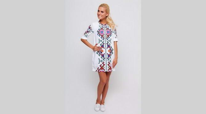 стильний одяг в українському стилі