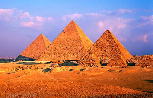 піраміди Гізи в Каїрі