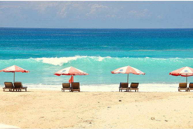 Острів Балі. Пляж Нуса Дуа