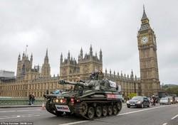 Екскурсії по Лондону на бронемашині