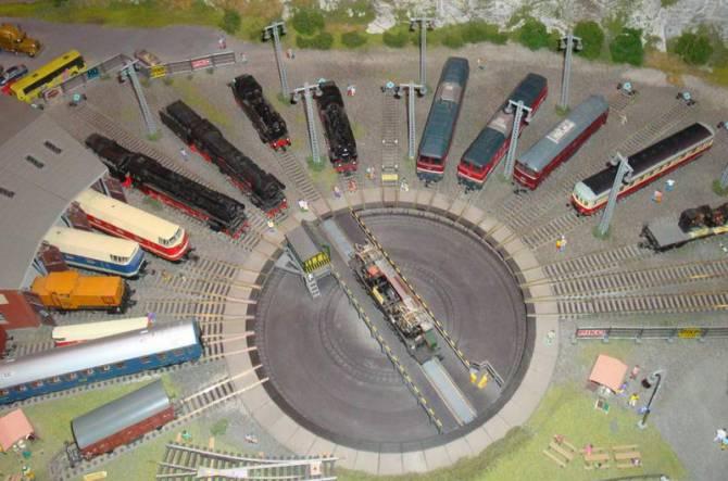 Музей Lego в Празі - залізнична станція