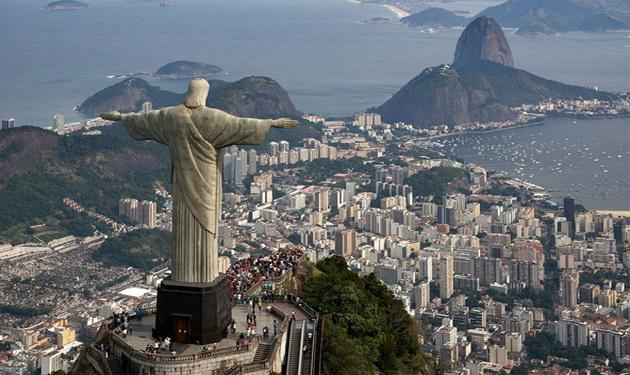 статуя Христа Спасителя в Бразилії
