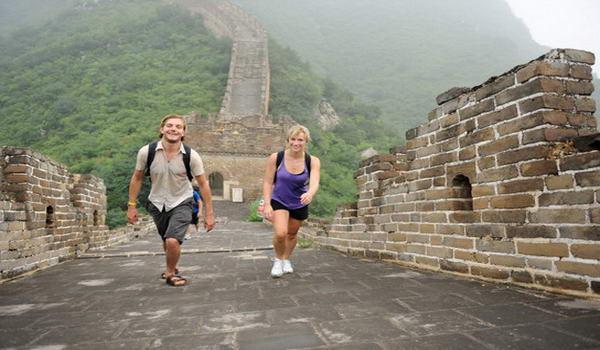 Туристи на Великій Китайській стіні, Китай