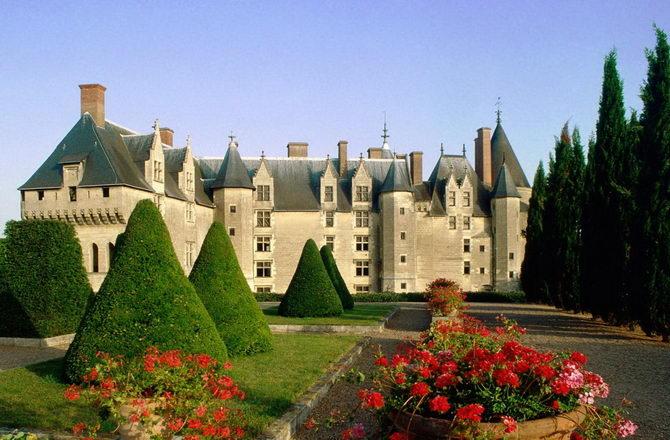 Франция. Замок Ланже.