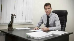 Защита по уголовным делам: преимущества юридической помощи