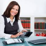 Стоит ли передавать кадровое делопроизводство на аутсорсинг?