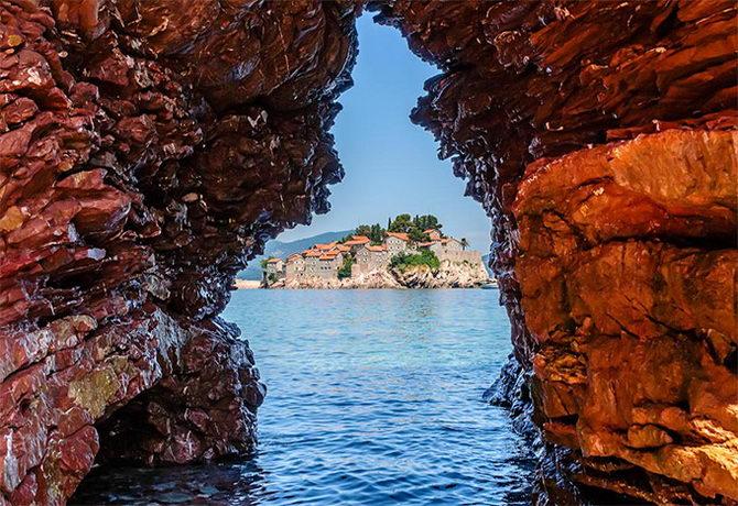 Червона скеля. Чорногорія