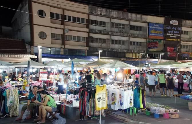 Нічний ринок Хуахіна