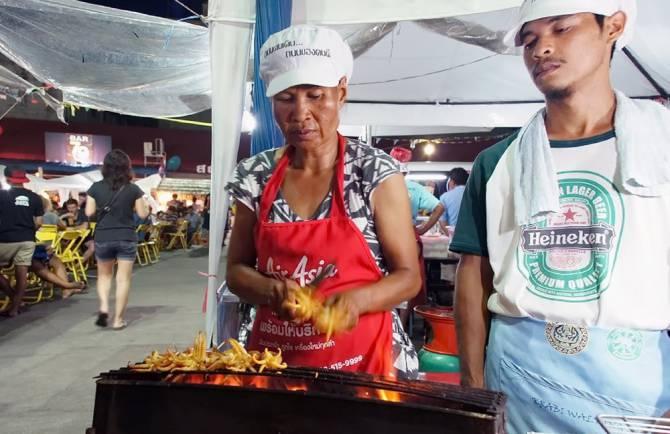 Нічний ринок Крабі : кальмари на грилі