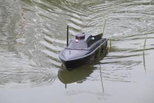 2 веских причины для того, чтобы приобрести кораблик для завоза прикормки и снастей
