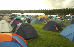 Як правильно вибрати туристичну палатку та тент?