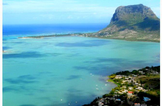 Вид на західне узбережжя з вертольота
