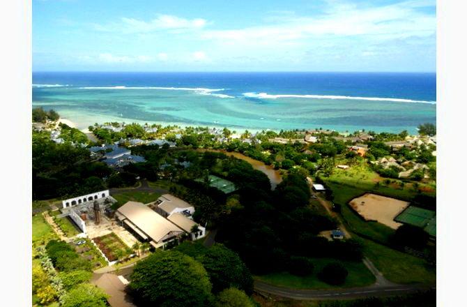 Вид на південне узбережжя з вертольота