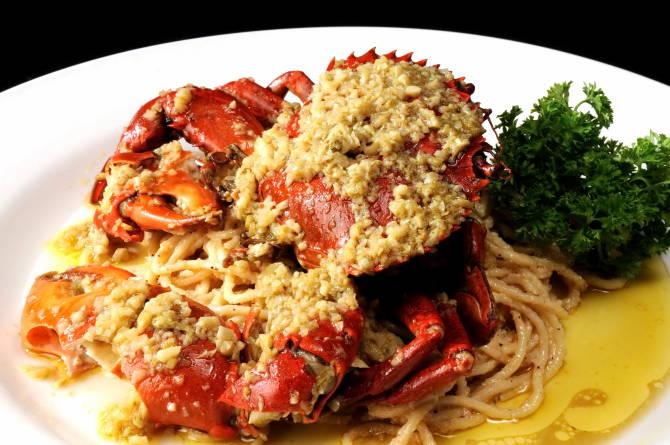краб із спагетти