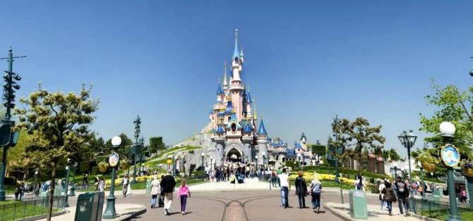 парк розваг Діснейленд у Парижі