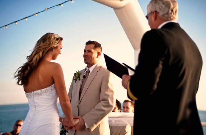 церемония свадьбы на корабле