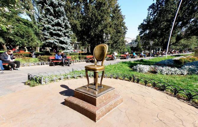 Одеса. Пам'ятник Дванадцятому стільцю