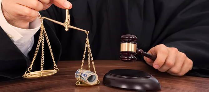 судитися з банком
