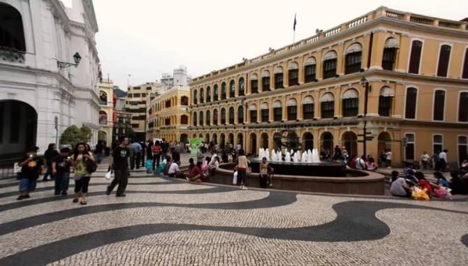 площа Largo do Senado