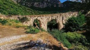 Унікальний акведук Герода Аттіка в Греції