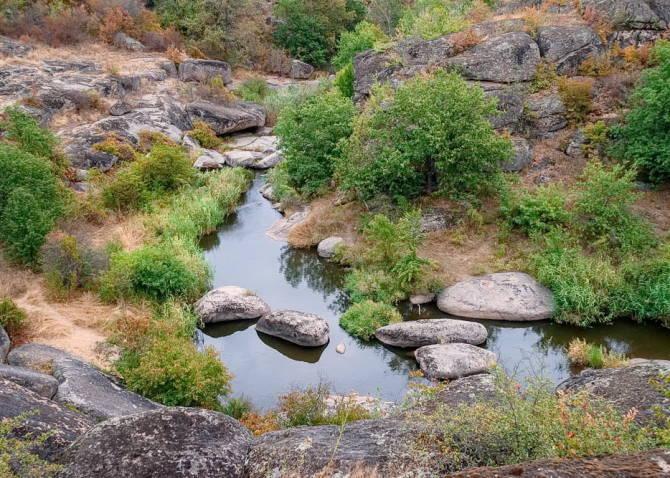 поворот річки Арбузинки у каньйоні