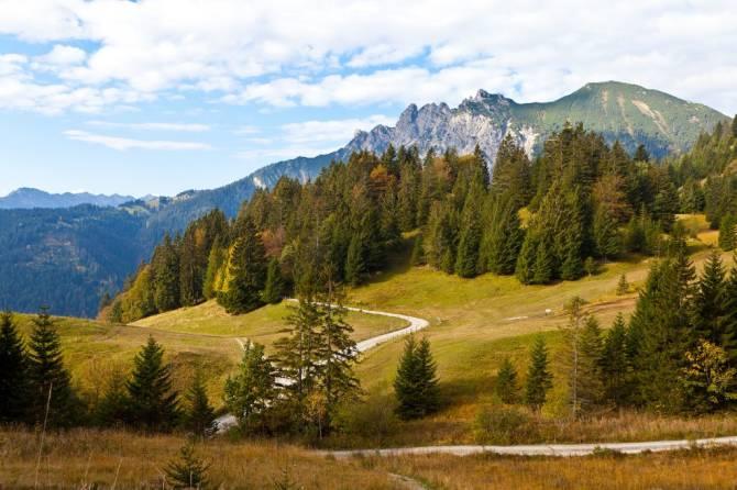 природний ландшафт навколо міста Блуденц