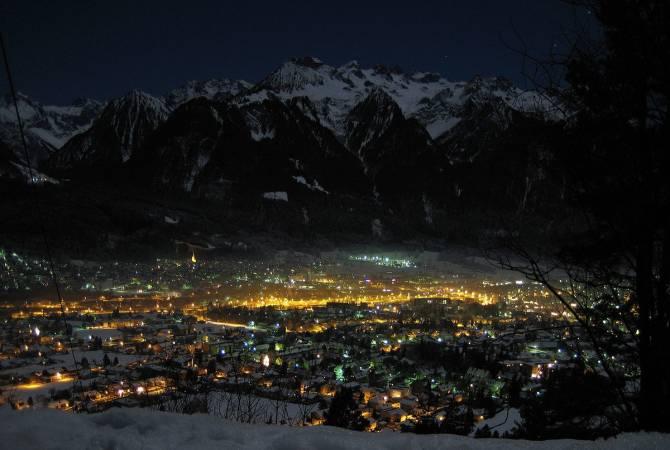 фото: місто Блуденц вночі