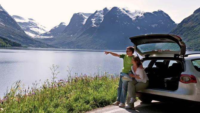 Автомобільний туризм