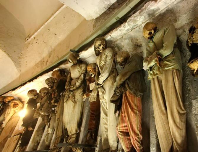 поховані в Катакомбах