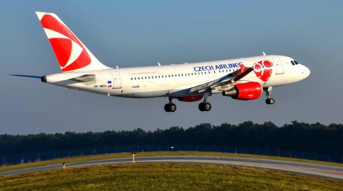самолет рейса Киев-Прага компании Czech Airlines