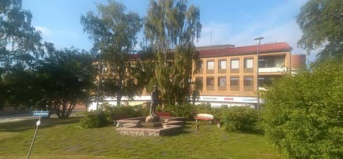 пам'ятник сплавникам лісу в Лієкса