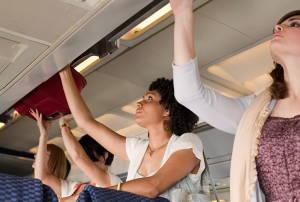 Що туристи забувають в літаках?