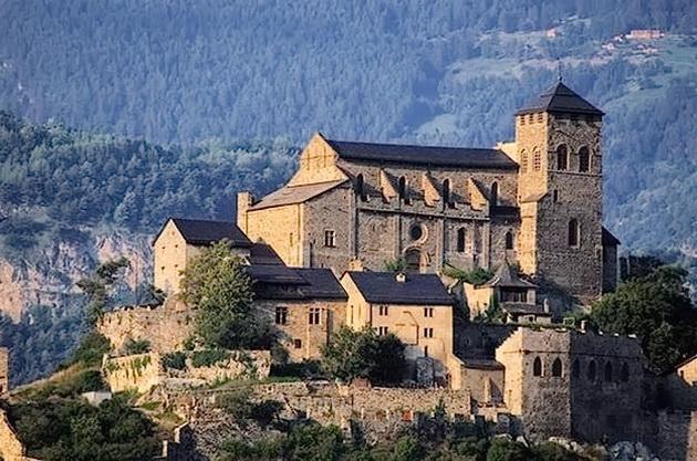 фортеця-базиліка Валер