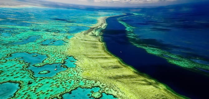 фото Великого Бар'єрного рифу з висоти