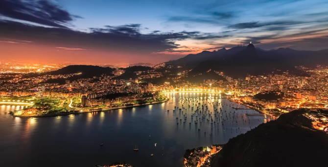 гавань Ріо-де-Жанейро вночі