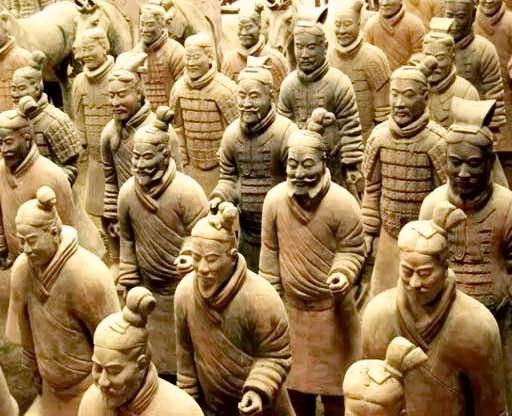 Обличчя теракотових скульптур абсолютно різні