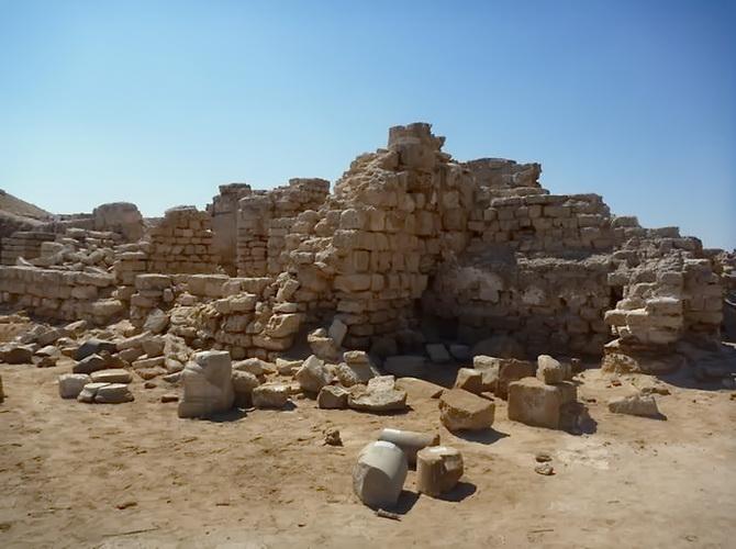 Камені міста Абу-Мени